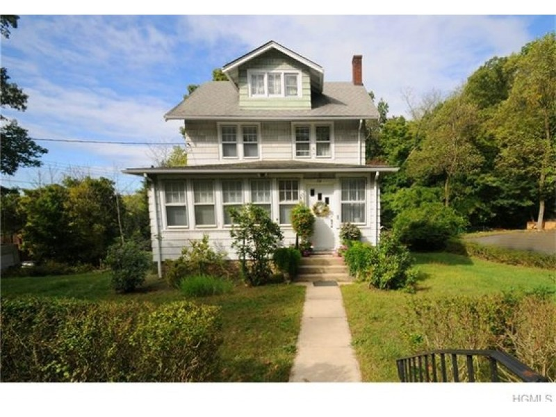 10 houses on the market in piermont and nyack nyack ny for Call zillow