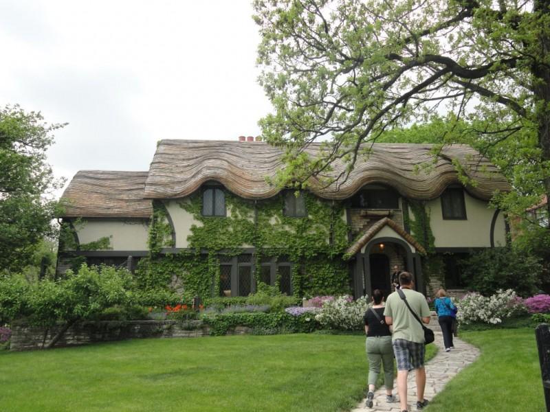 Frank Lloyd Wright House Walk Long