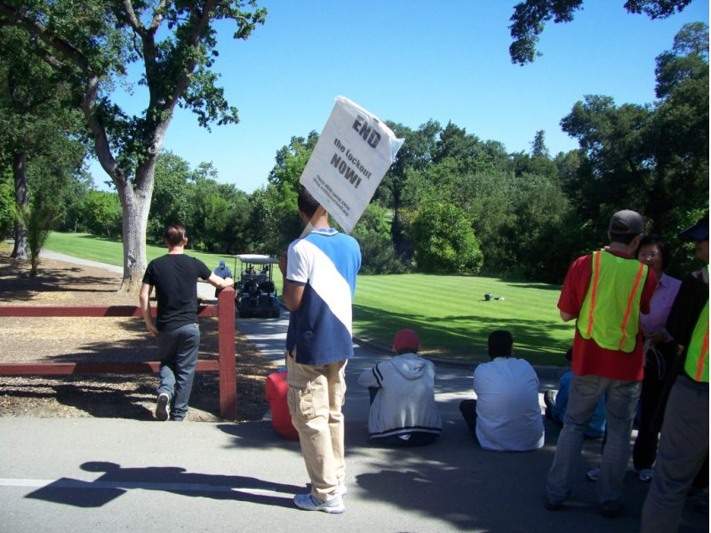 Castlewood Country Club Pleasanton Ca Best Outdoor: Castlewood Country Club Workers Protest, Block Golf