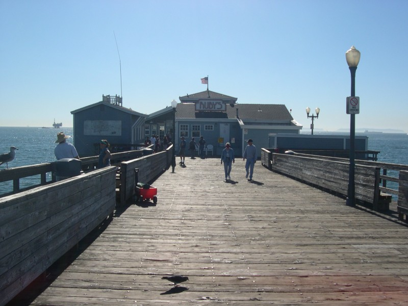 Ruby 39 s diner to close seal beach pier restaurant los for Seal beach fishing