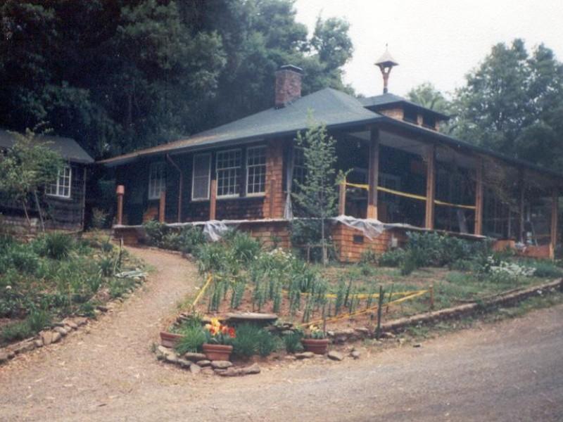 Dry creek cottage and its secret garden union city ca patch My secret garden bay city