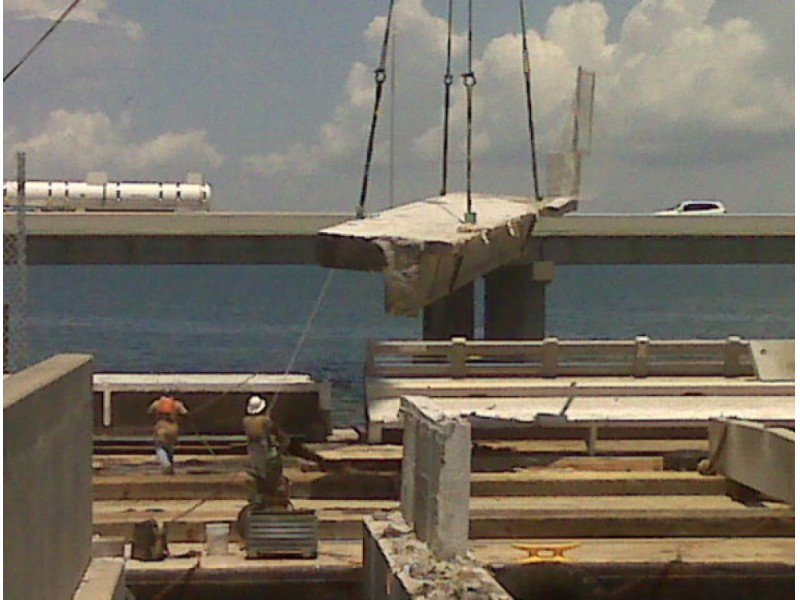 Spans of skyway bridge to become artificial reef st for Tides 4 fishing skyway