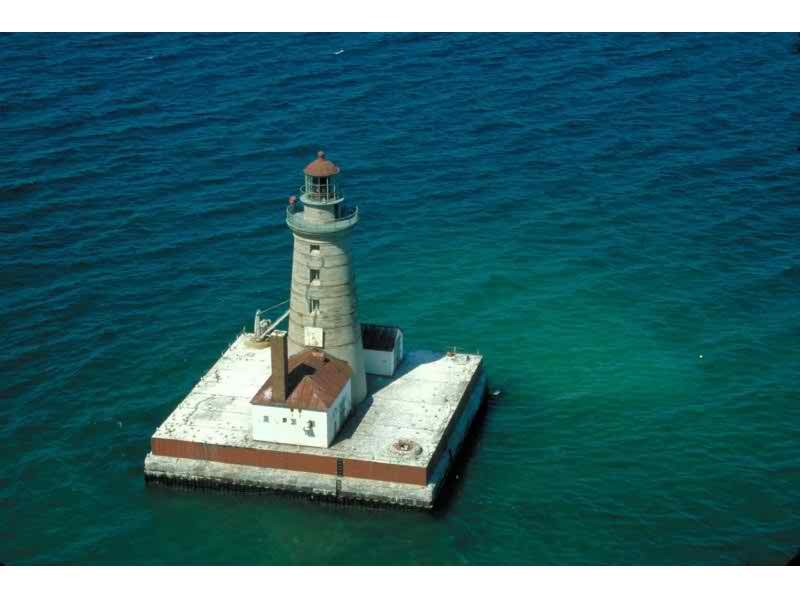 3 michigan lighthouses for sale in online auction white lake mi 3 michigan lighthouses for sale in online auction sciox Choice Image