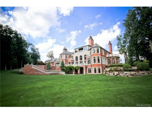 Wow house voyeur michigan 39 s 10 most expensive mansions for Tiny house holland michigan
