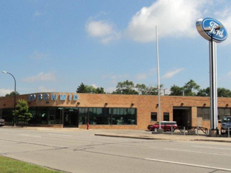 Auto dealer group with presence in clinton township for Deal motors clinton hwy