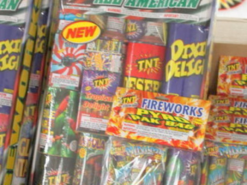 ... Fireworks Tents Storefronts Sprout Widely Under New Michigan Law-0 ... & Fireworks Tents Storefronts Sprout Widely Under New Michigan Law ...