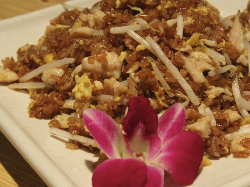 Gim ling modern chinese bistro st clair shores mi patch for China garden restaurant detroit mi