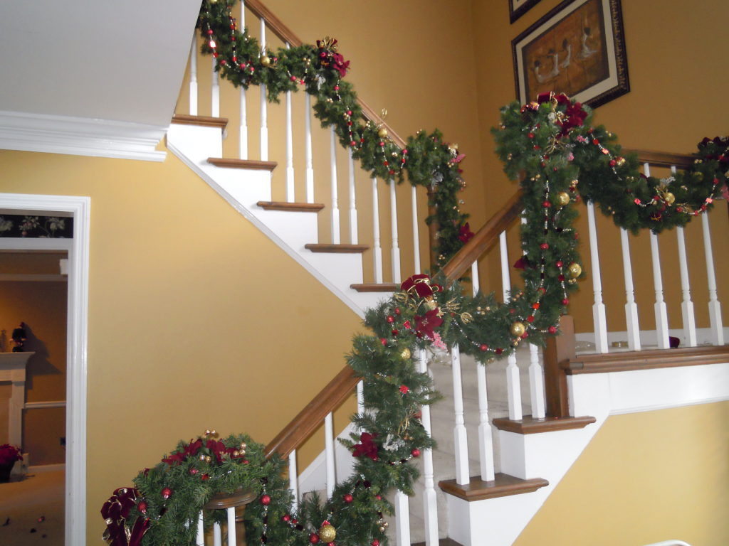 How To Properly Store Your Christmas Garland Away Kennesaw Ga Patch