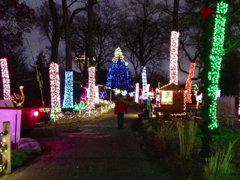 Detroit Zoo Christmas Lights.Detroit Zoo Will Deck The Halls With Green This Holiday