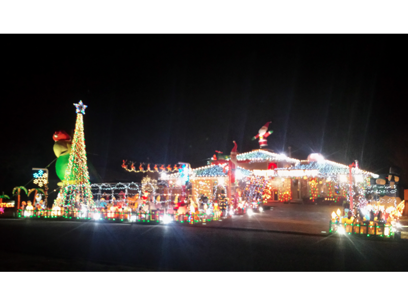 where to see the best christmas lights in the chicago suburbs