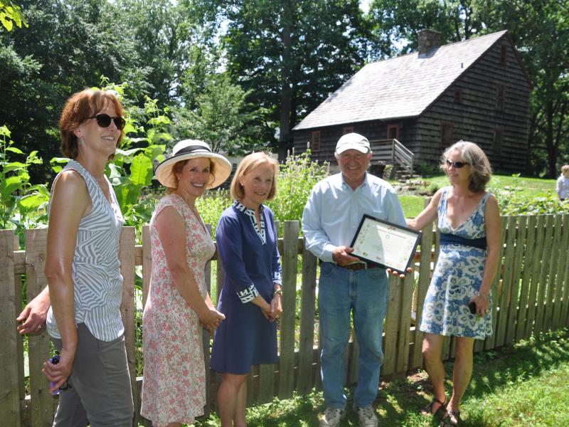Fairfield Garden Club Bestows Honor For Ogden House Garden
