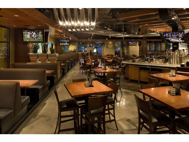 New Restaurant Opens Wednesday At Springfield Town Center. Yard House, The  ...