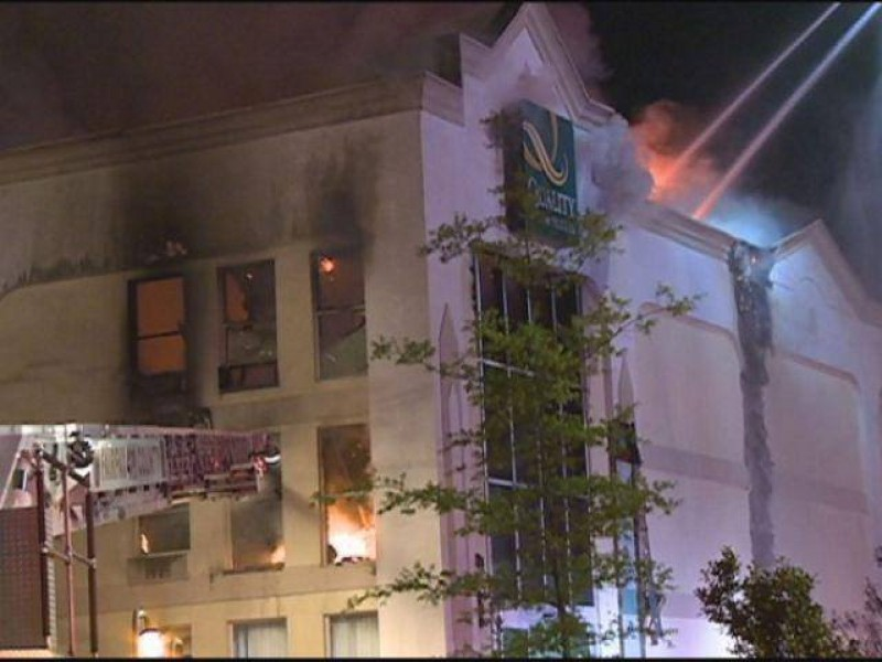 Fire Destroys Alexandria Area Hotel One Injured 0