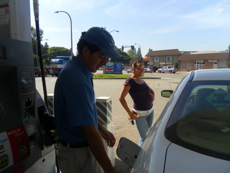 ... Honda Guys In Blue Provide Free Gas In Culver City 0 ...