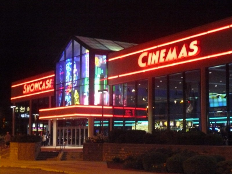 why is the showcase cinemas closed in woburn woburn ma