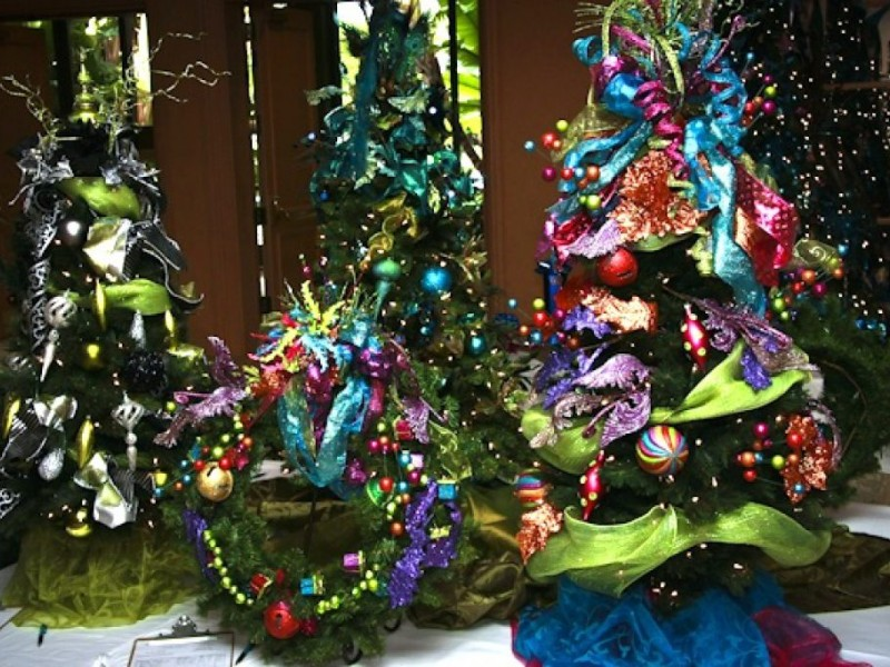 Christmas Tree Auction To Benefit Needy Kids
