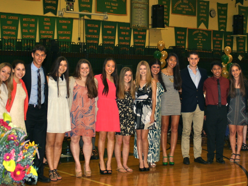 Lynbrook Hs Students Receive 115 000 In Local
