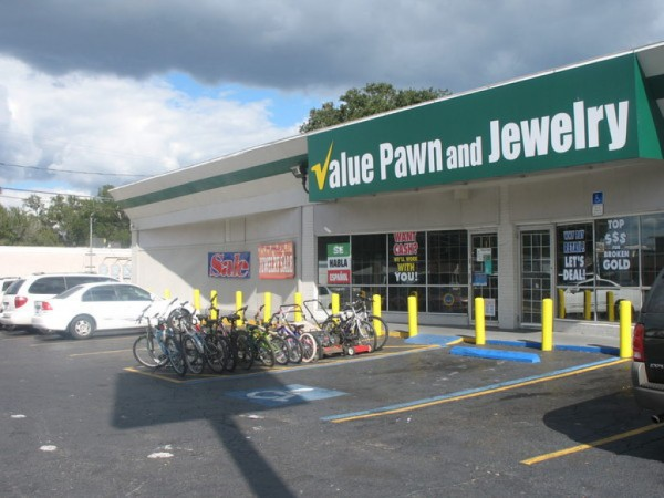 suspects nab 1 million in jewelry from value pawn. Black Bedroom Furniture Sets. Home Design Ideas
