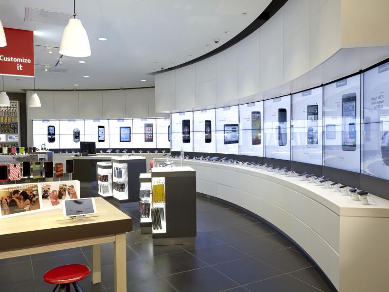 Verizon introduces new store design in tucker tucker ga for Design shop mobel