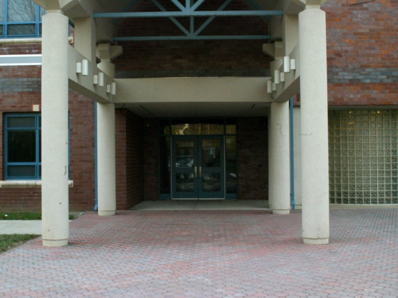 new door entry procedure for manalapan englishtown schools begins