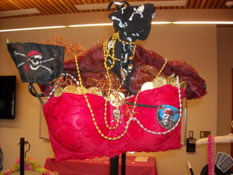 Decorate A Bra Help Raise Awarness For Breast Cancer Enumclaw Wa